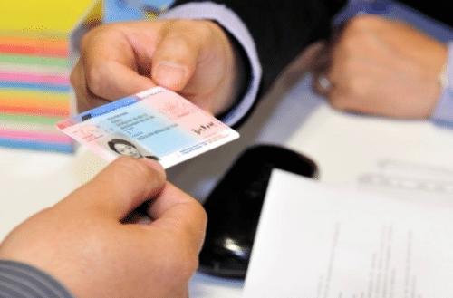 Иностранцы могут поменять свои права на российские